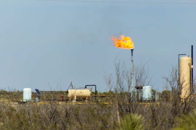 Oil well with flaring
