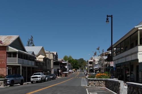 Street scene of Sutter Creek